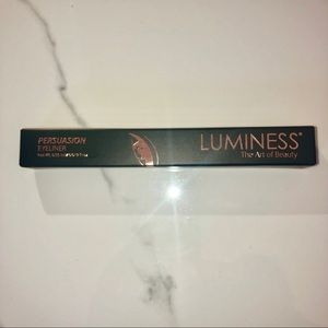 Luminess persuasion eyeliner
